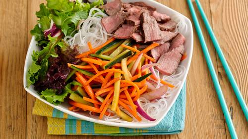 Heart healthy cookbook dinner recipes bettycrocker healthy sriracha lime rice noodle salad bowl with beef forumfinder Choice Image
