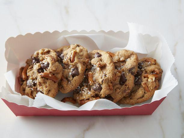 Salted Butterscotch Pudding Pretzel Cookies