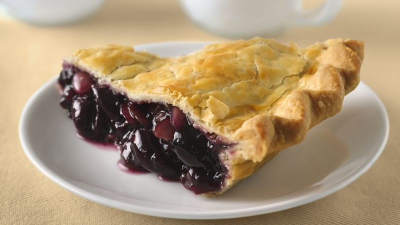 Amaretto Sweet Cherry Pie