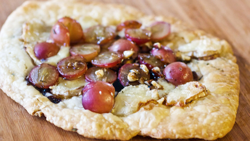 Roasted Grapes and Brie Flatbread