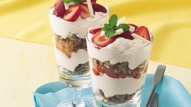 White Chocolate-Strawberry Yogurt Parfaits