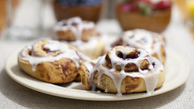 Super Cream Cheese Cinnamon Rolls