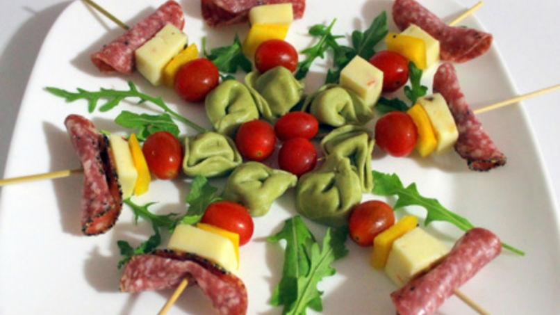 Pinchitos de Tortellini con Cortes Fríos
