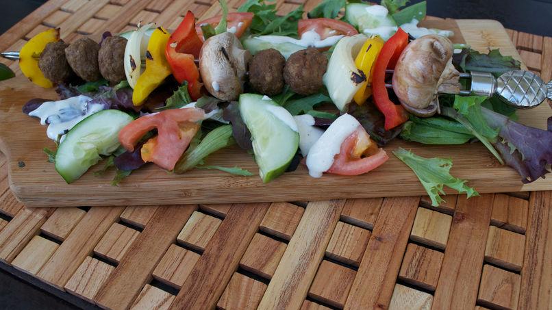 Pinchos de Albóndigas y Vegetales