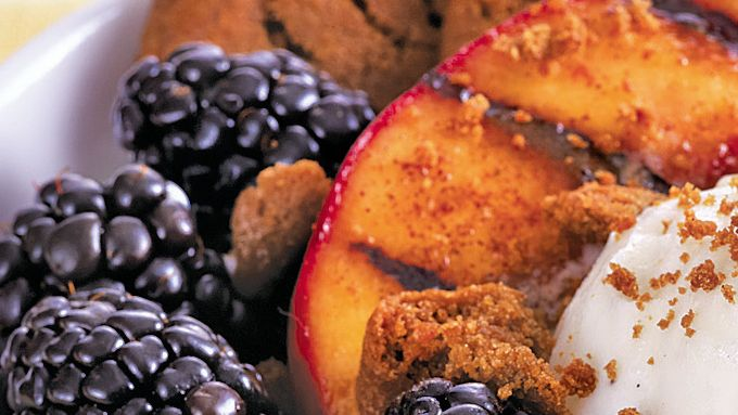 Grilled Peaches with Frozen Yogurt and Molasses Cookie Crumble