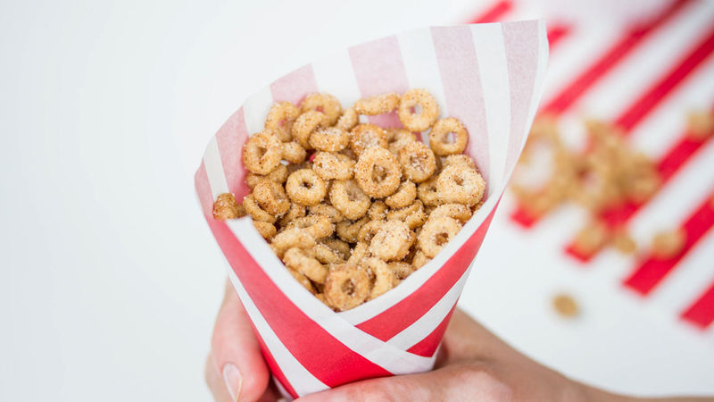 Mini Doughnut Hot Buttered Cheerios™