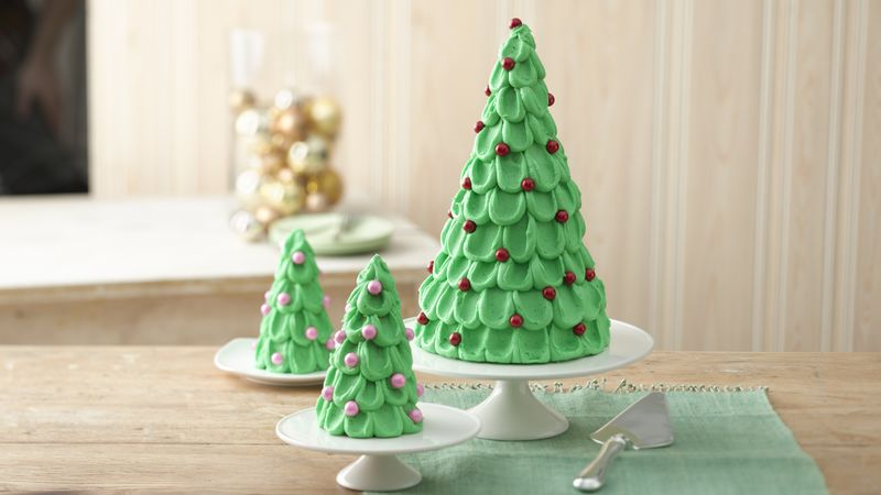 Christmas Tree Cake with Mini Trees