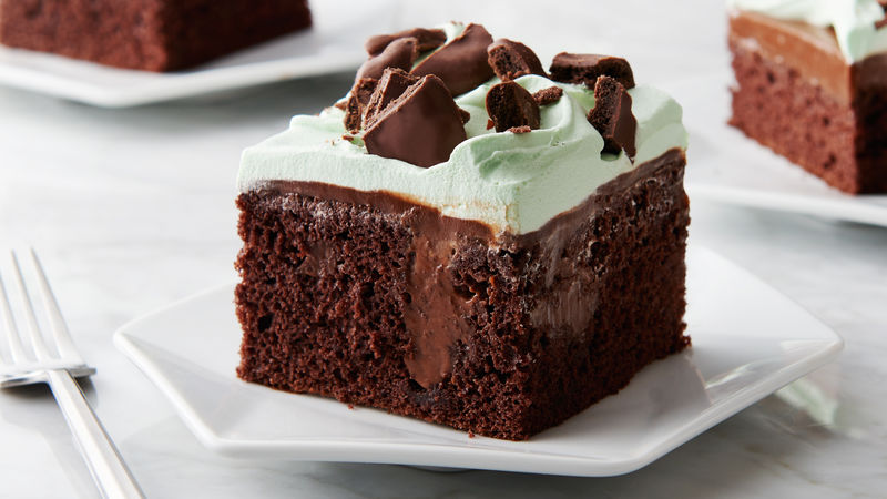 Chocolate-Mint Cookie Poke Cake