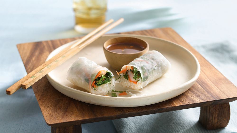 Shrimp Summer Rolls with Dipping Sauce