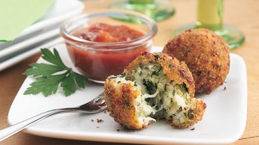 Spinach-Cheese Balls with Pasta Sauce
