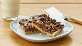 Easy Caramel-Pecan Bars