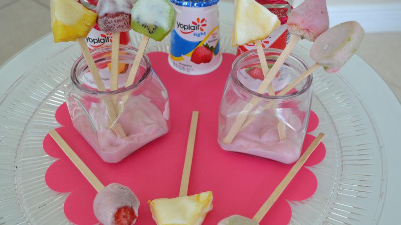 Paletas de Frutas y Yogur Congeladas
