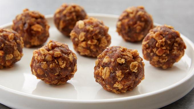 Apple-Almond No-Bake Granola Bites