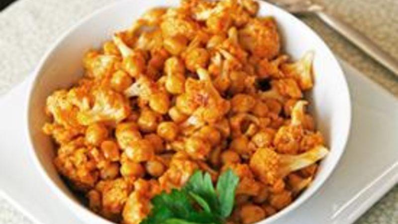 Thai Red Curry Cauliflower and Garbanzo Beans