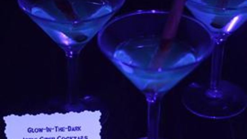 Glow-In-The-Dark Apple Cider Cocktails
