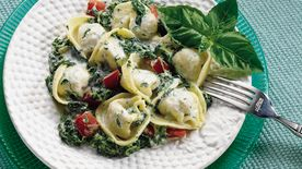 Creamy Spinach and Tortellini