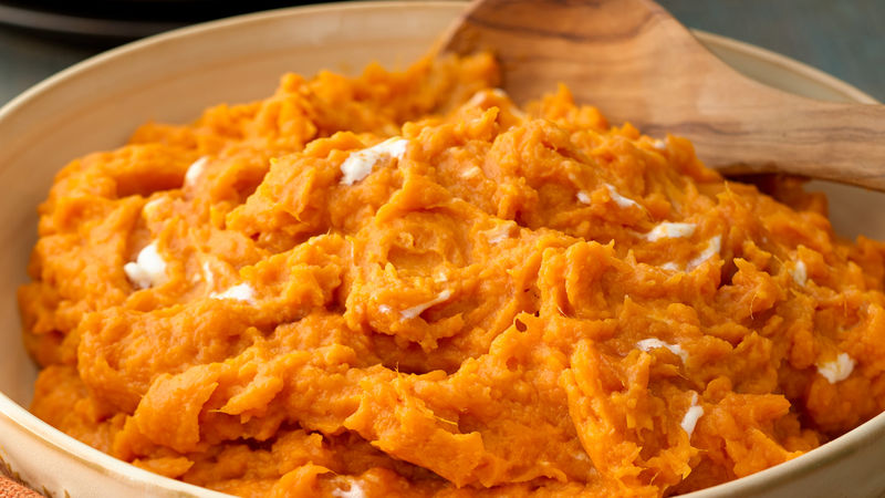 Creamy Mashed Sweet Potatoes with Maple Syrup
