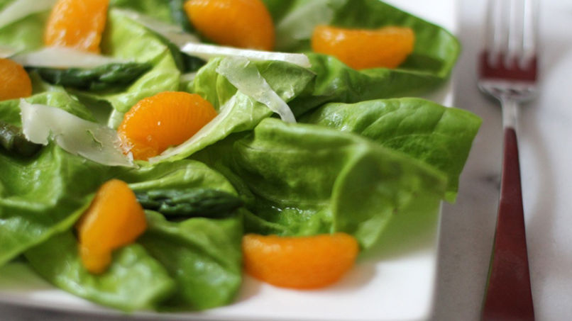 Butter Lettuce Salad with Mandarins, Asparagus and Manchego Cheese