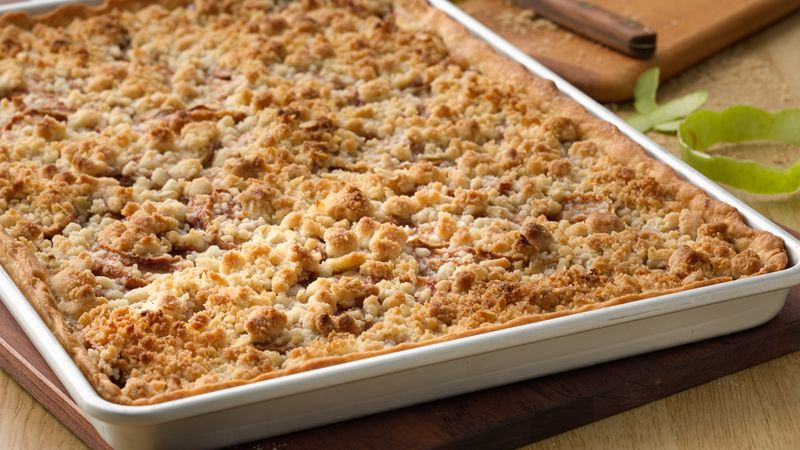 Apple Slab Pie with Crumble Topping