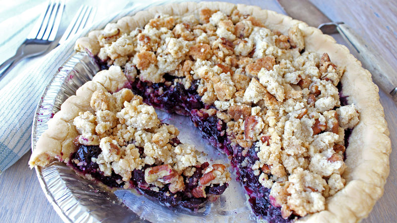 Blueberry-Pecan Streusel Pie