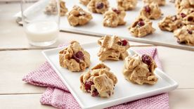 No-Bake Peanut Butter and Jelly Golden Grahams™ Cookies