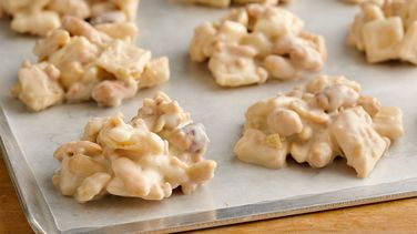 Peanutty Pie Crust Clusters
