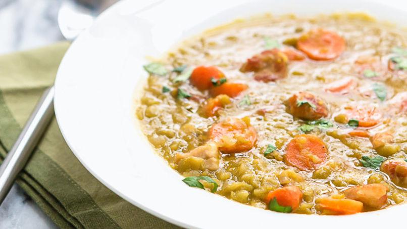 Sopa de Arvejas con Chuletas