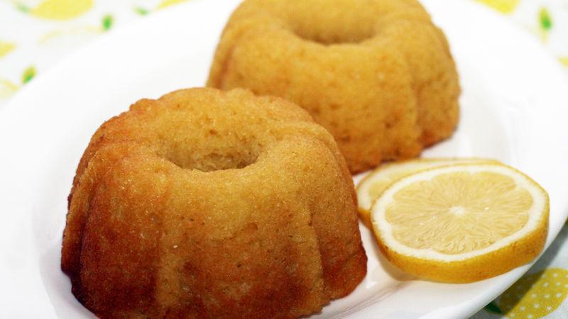 Light Lemon Mini Cakes