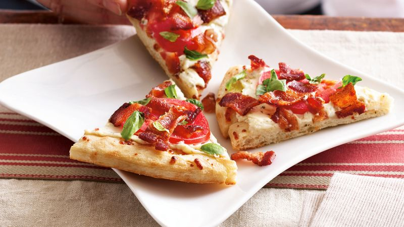 Grilled Bacon and Tomato Pizza