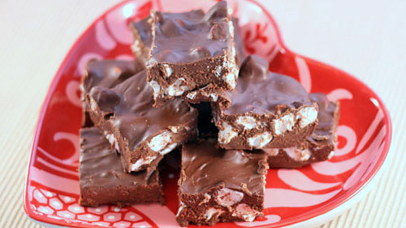 Easy Chocolate Marshmallow Fudge