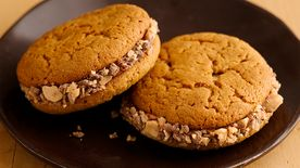 Toffee Roundabout Sandwich Cookies