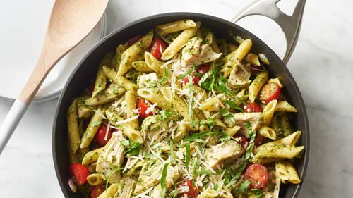 Pesto Pasta with Chicken and Tomatoes Recipe - BettyCrocker.com