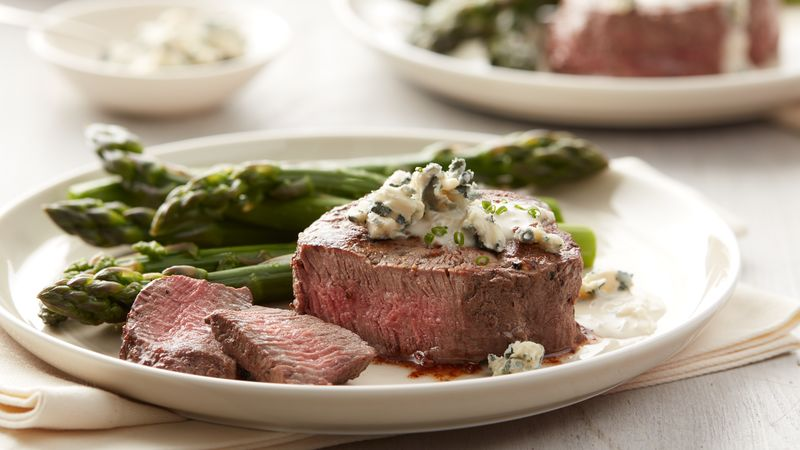 Filet Mignon with Creamy Blue Cheese Sauce (Cooking for 2)