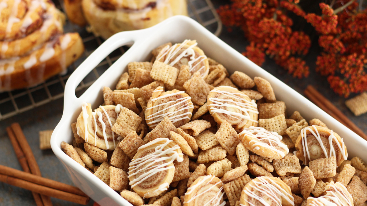 Mini Cinnamon Roll Chex™ Party Mix