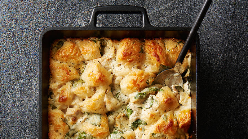5-Ingredient Chicken Alfredo Bubble-Up Bake