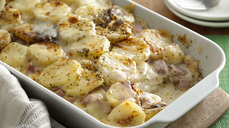 Potatoes Au Gratin with Caramelized Onions and Ham