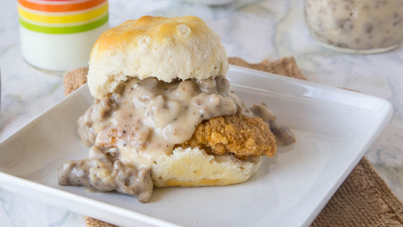 Easy Chicken and Biscuit Sandwiches with Sausage Gravy