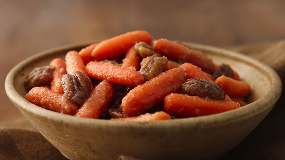 Maple and Applesauce Carrots with Candied Pecans