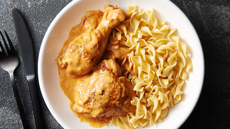 Slow Cooker Creamy Chicken Paprikash