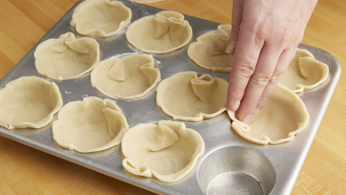 Heat Oven To 3750f Unroll Pie Crusts On Lightly Floured Surface Roll Or Press Each Crust To 12 Inches Diameter Using 4 Inch Round Cutter