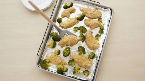 Sheet-Pan Chicken and Broccoli_image