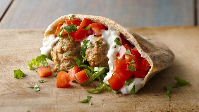 Skinny Chicken Schwarma Meatball in Pita with Yogurt-Veggie Sauce