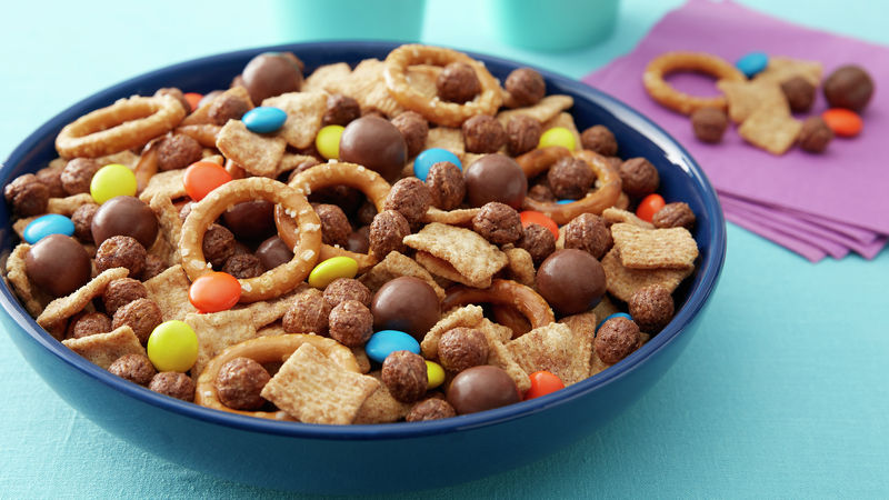 Big Game Cereal Snack Mix