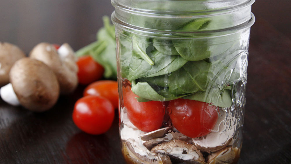 Mason Jar Salad Shakers