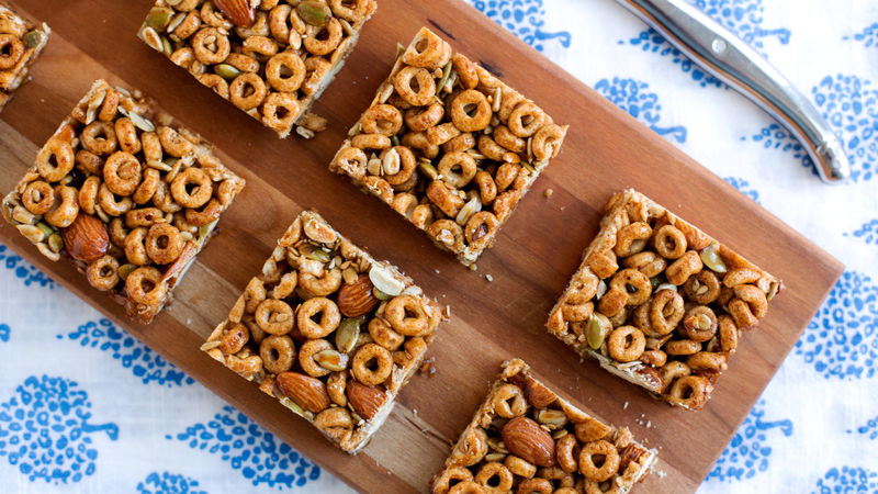 Spicy Cheerios™ Nut Bars