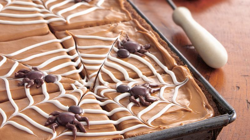 Spiderweb Applesauce Cake