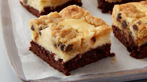 Cookies And Milk Cheesecake Brownie Bars
