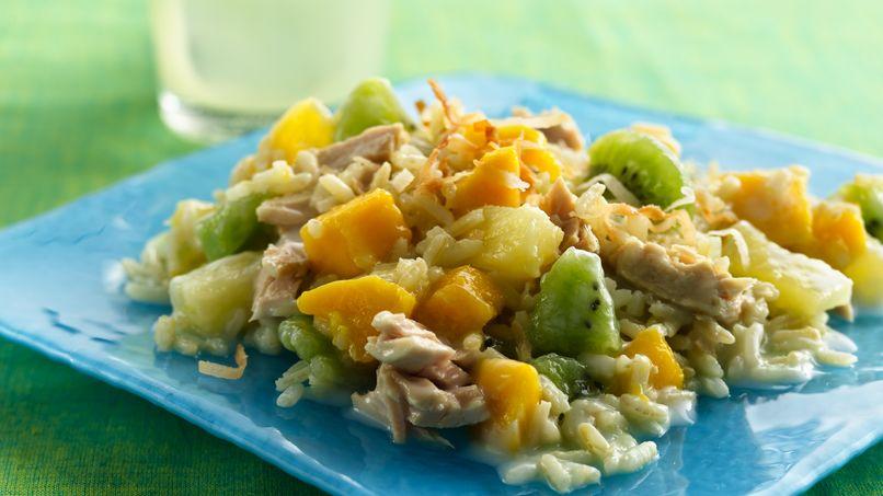 Ensalada de atún, arroz y frutas tropicales