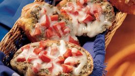 Pesto and Tomato Crostini