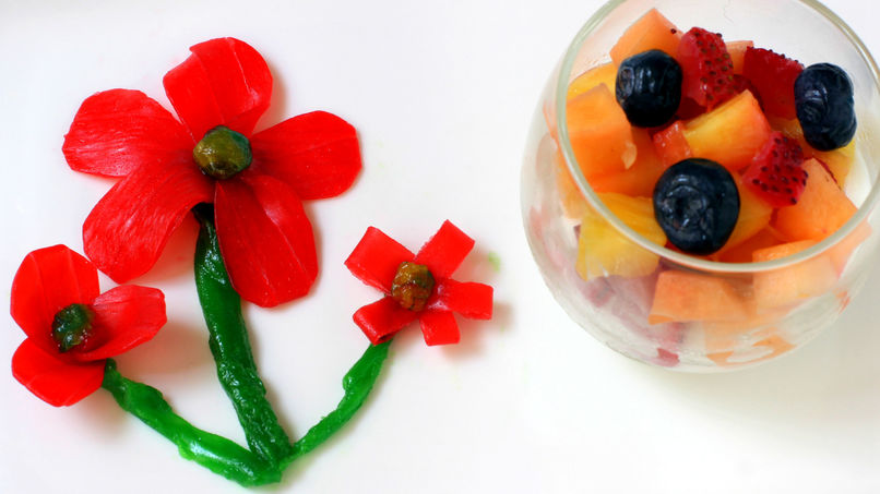 Yogurt with Fruits and Fruit by the Foot™ Flowers